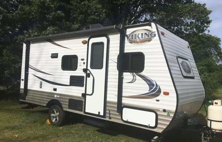 Compact and perfect size for a small family.. Viking vwt17bh 2016