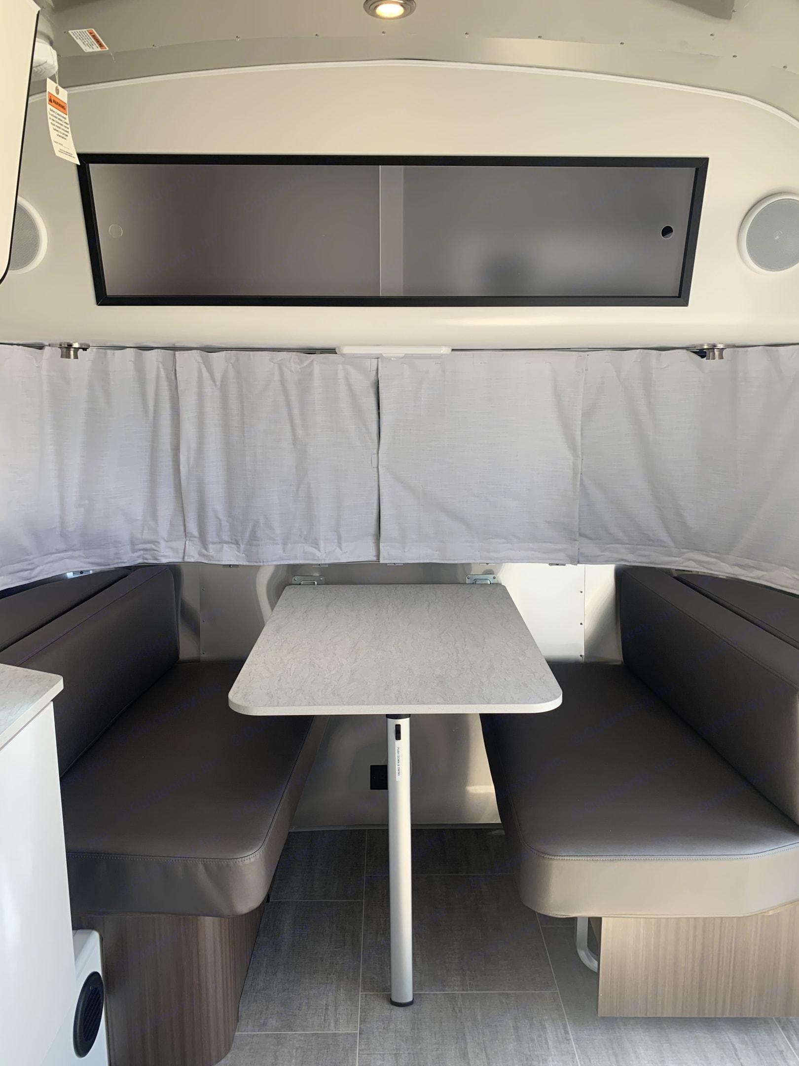 Airstream 19' Caravel 2020