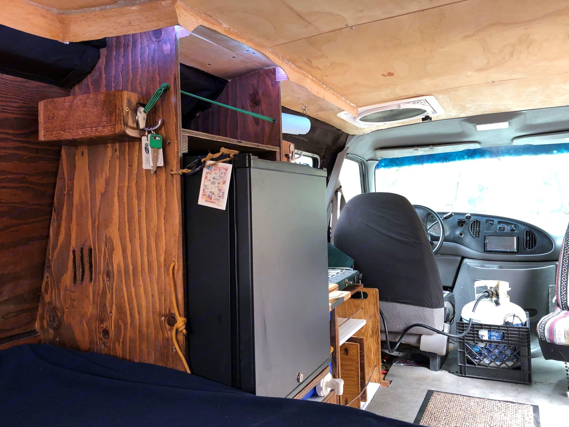 Ford E-250 Van Extended Body 1997