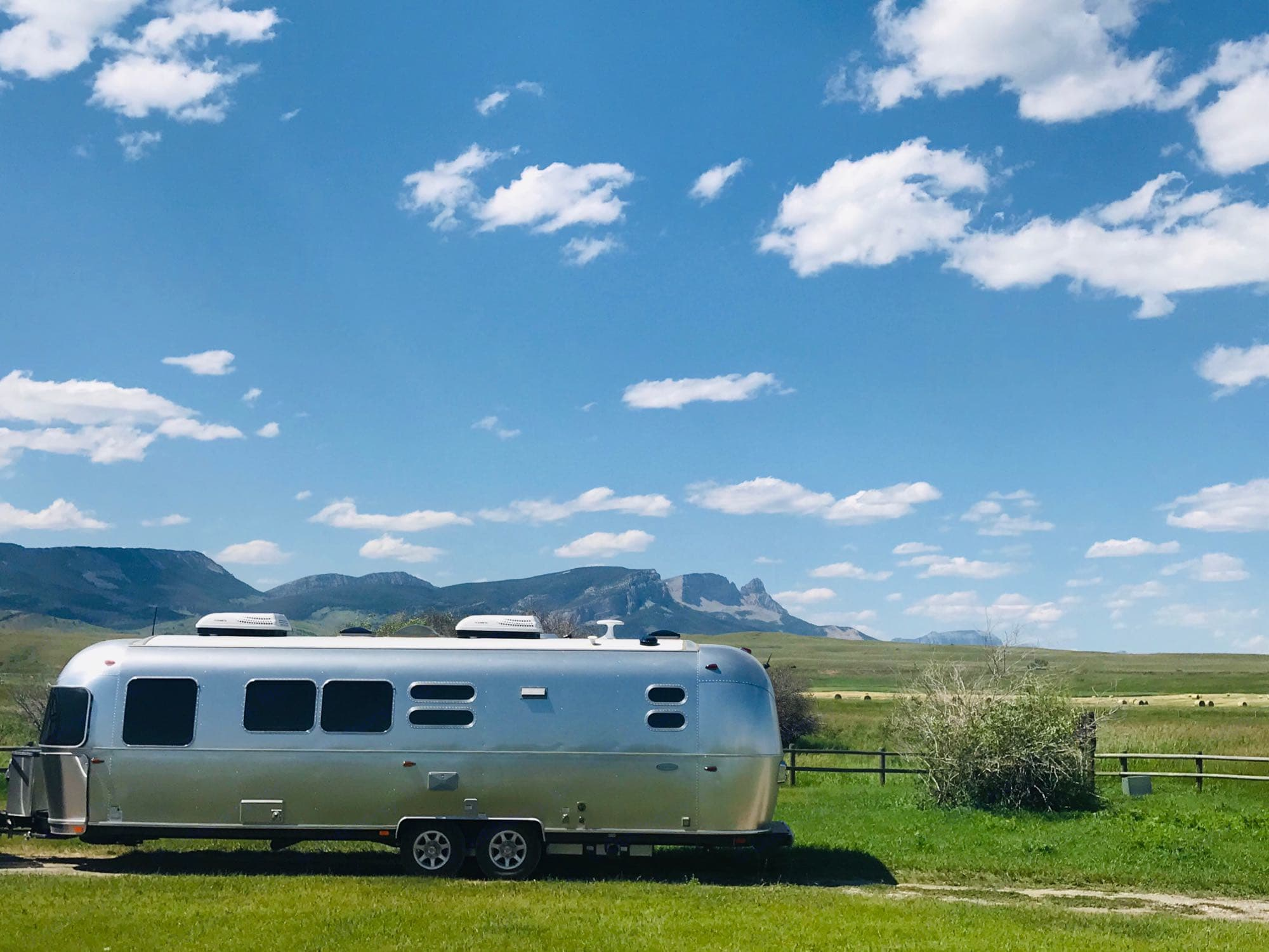 Bringing the comforts of home camping! . Airstream FlyingCloud 2019