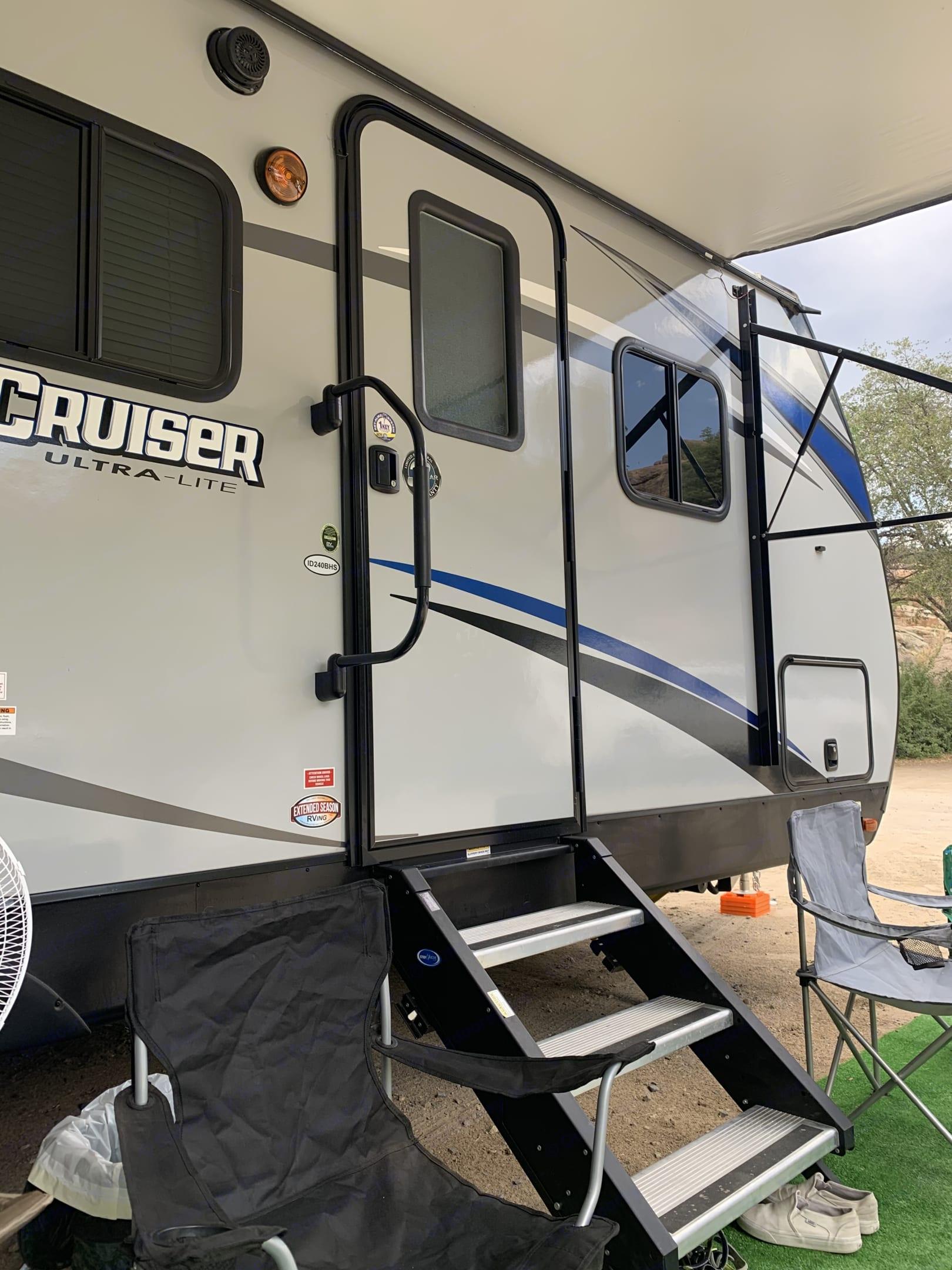 Entry door.. Cruiser Rv Corp Shadow Cruiser 2020