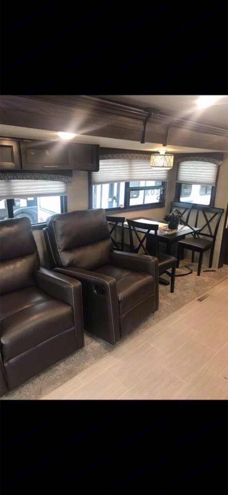 reclinersandtable. Keystone Kodiak 2018
