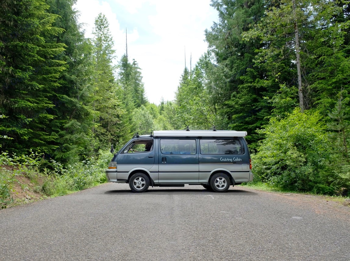 You can park this Toyota camper van anywhere. Super easy to drive!. Toyota Hiace 1991