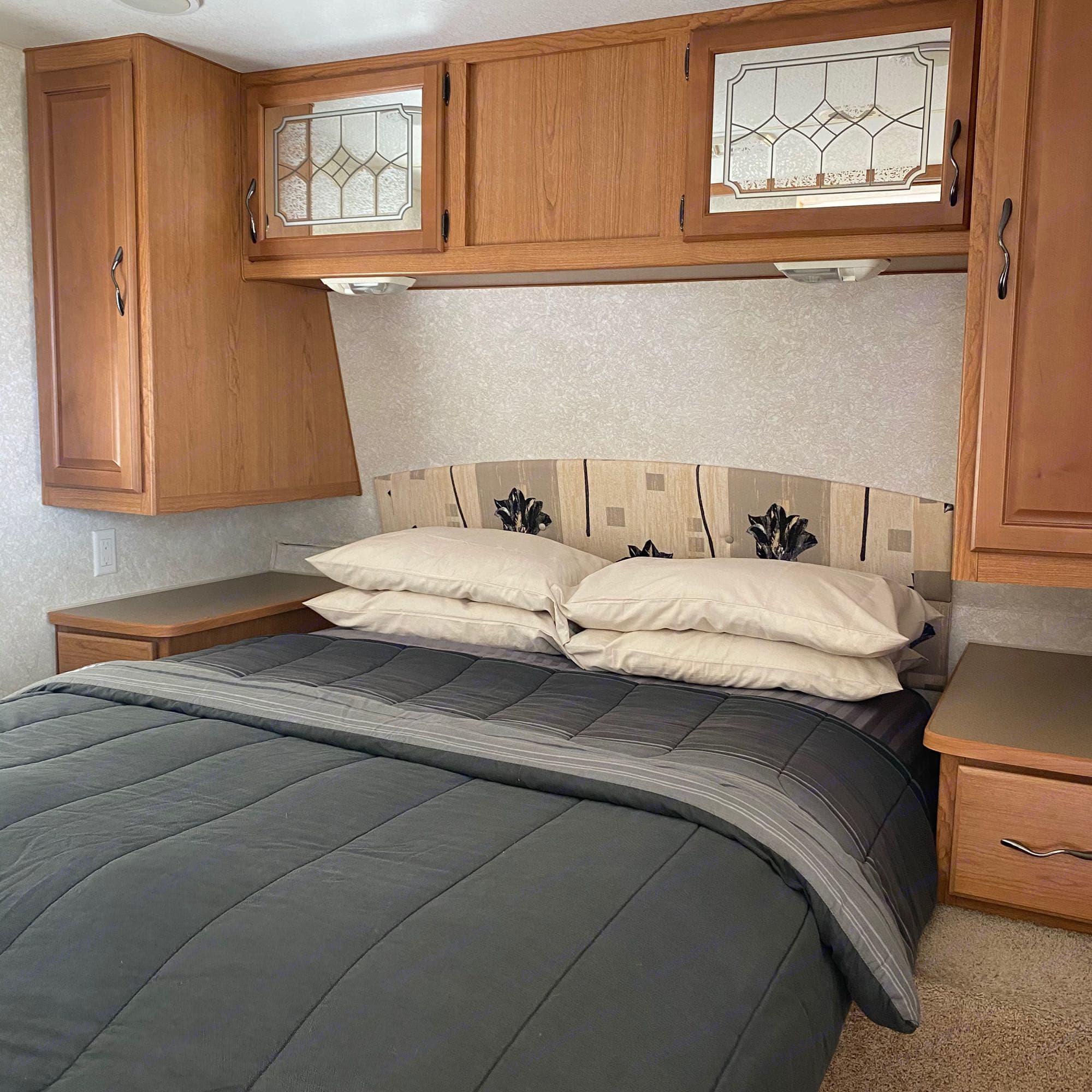 Bed. Fleetwood Terry 2004