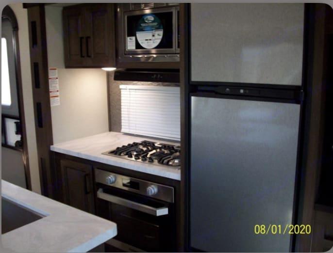 Stainless-steel-fridge. PrimeTime Crusader 2020