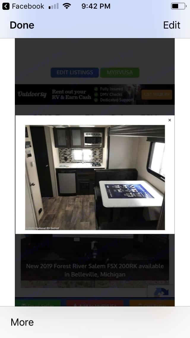 Dinette/bed and kitchen. Forest River Salem 2018