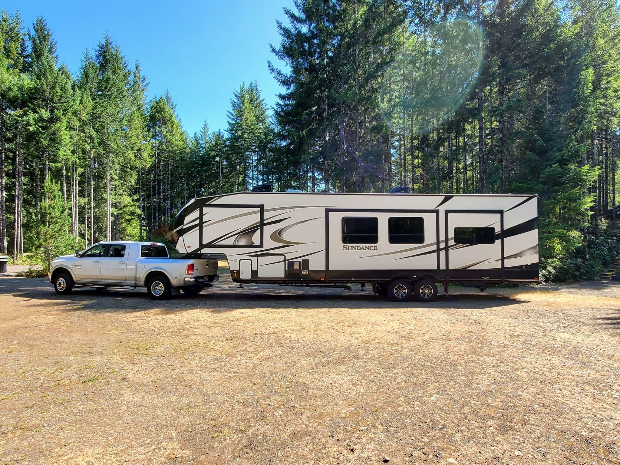 Camping at Lake Cushman, WA. Heartland Sundance 2018