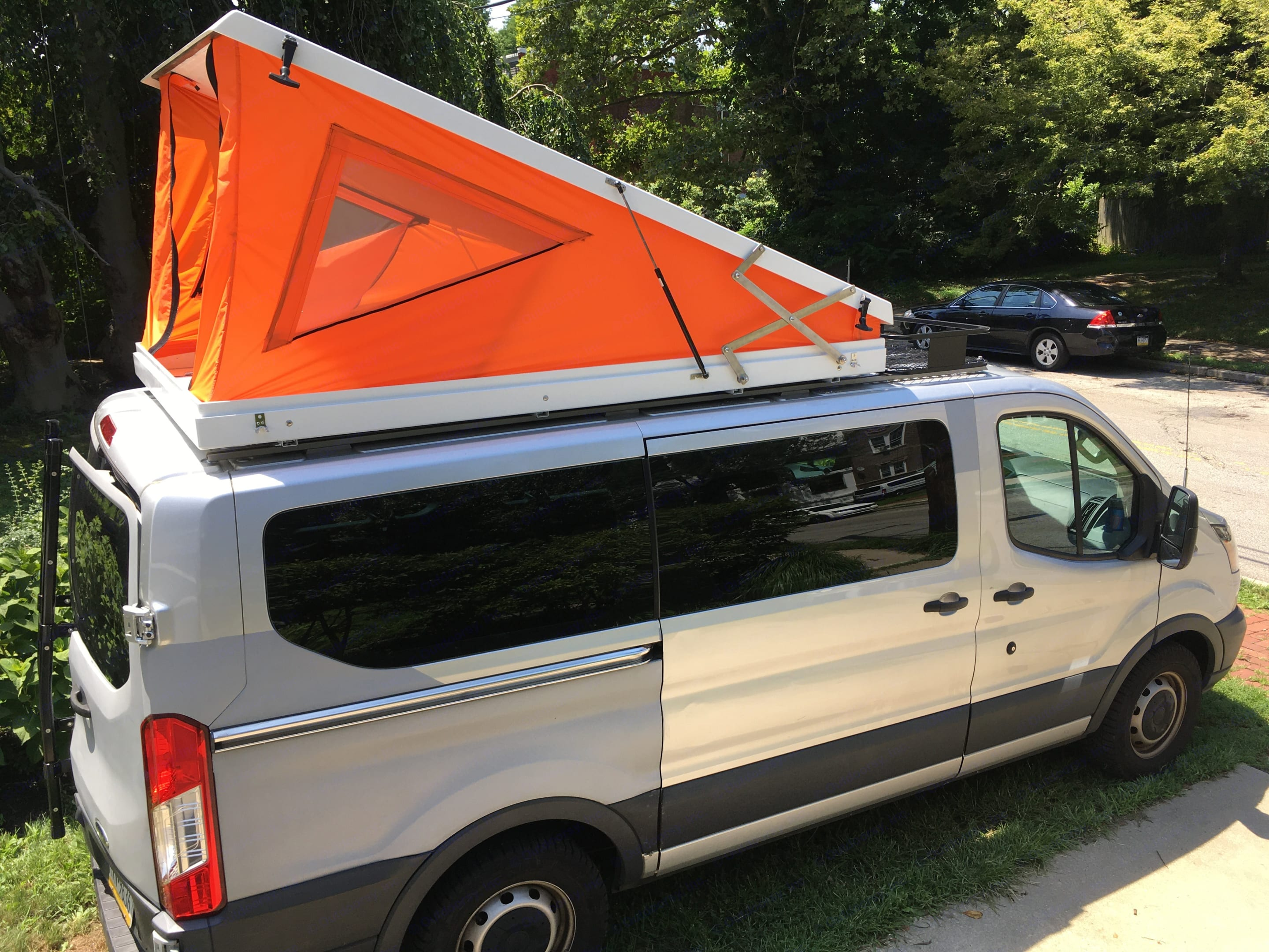 """Pop-top roof tent  with 60"""" x 94"""" memory foam mattress. Ford Transit 2015"""