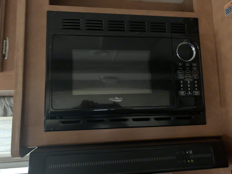 microwave. Winnebago Minnie Winnie 2016