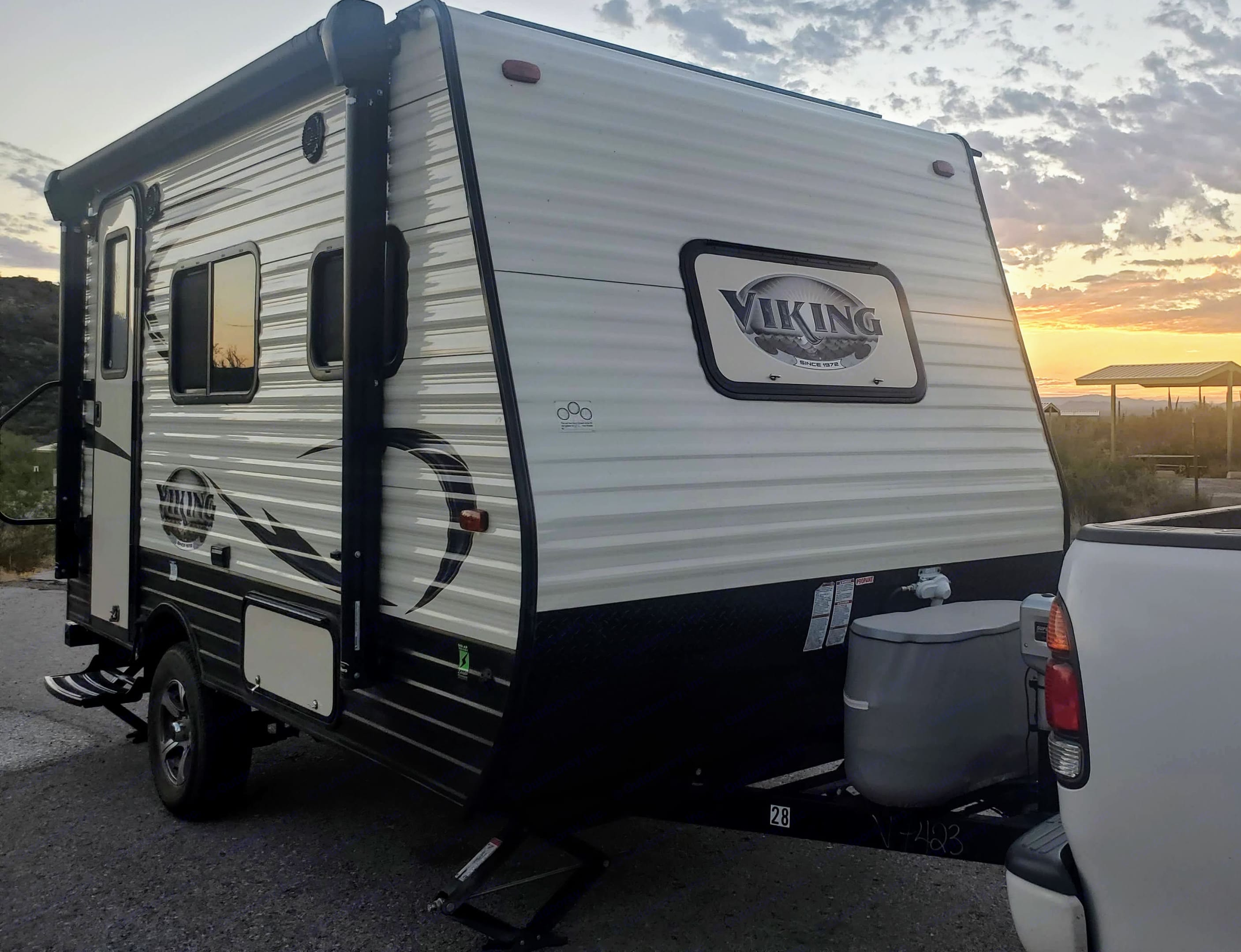 This trailer is tiny! 16ft long and 2500lbs dry.. Coachmen Viking 14R 2018