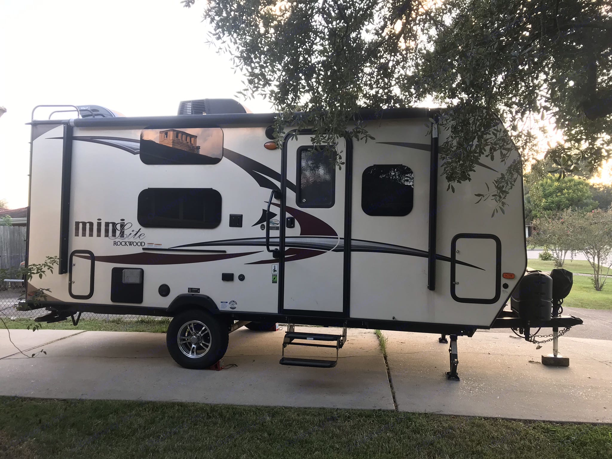 Our little piece of paradise. Forest River Mini-Lite 2018