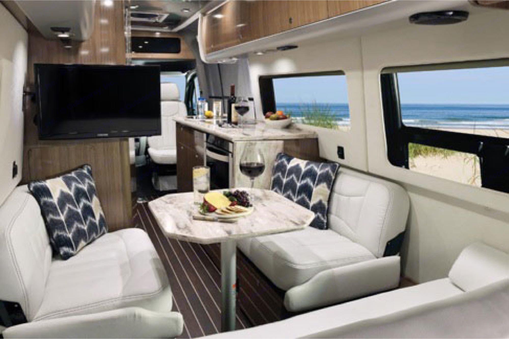 Airstream Interstate 2021