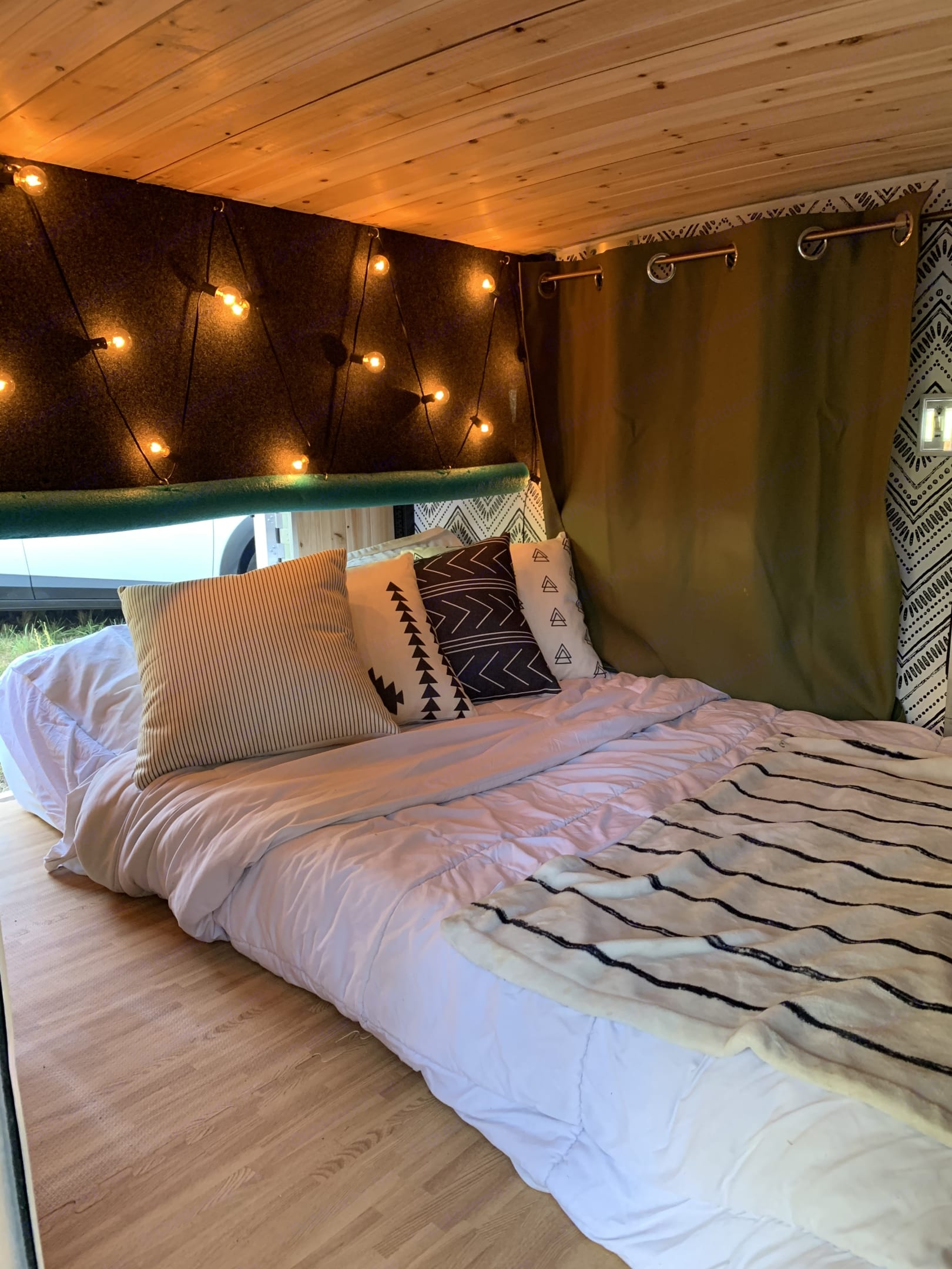 Low bistro mood lighting and the comfiest  full sized bed on the camp site.. Runaway Campers Rangerunner 2020