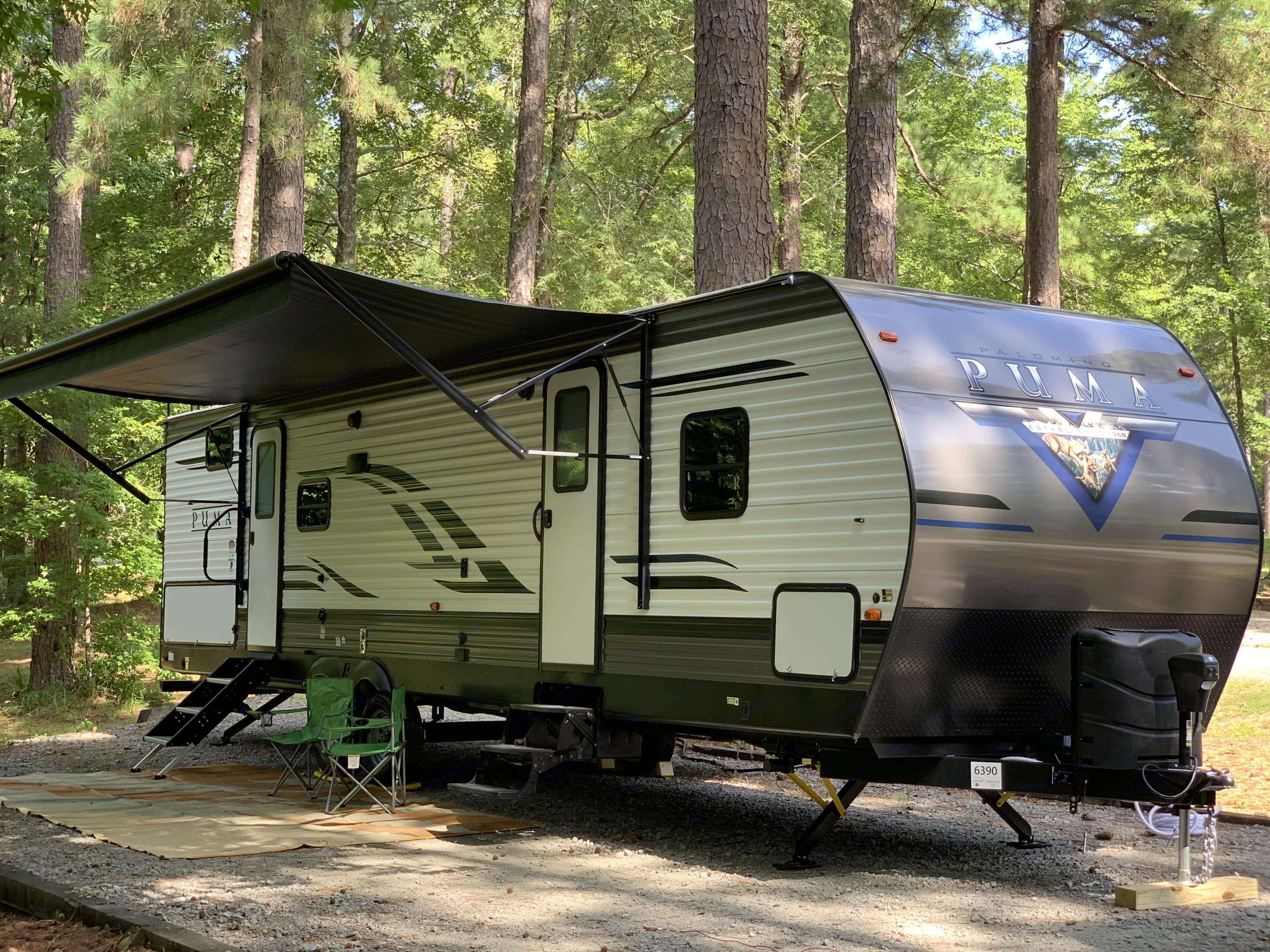 Dual entrance with awning. Forest River Puma 2020