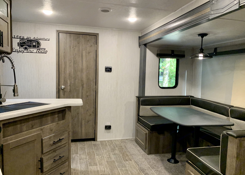 Kitchen / Dinette. Forest River Puma 2020