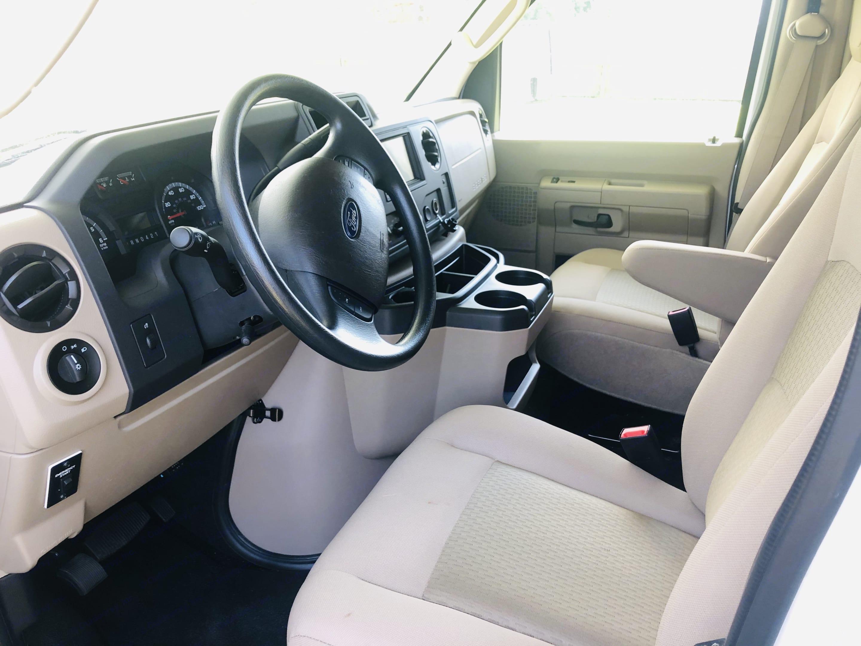 Driver's seat area. Thor Motor Coach Freedom Elite 2021