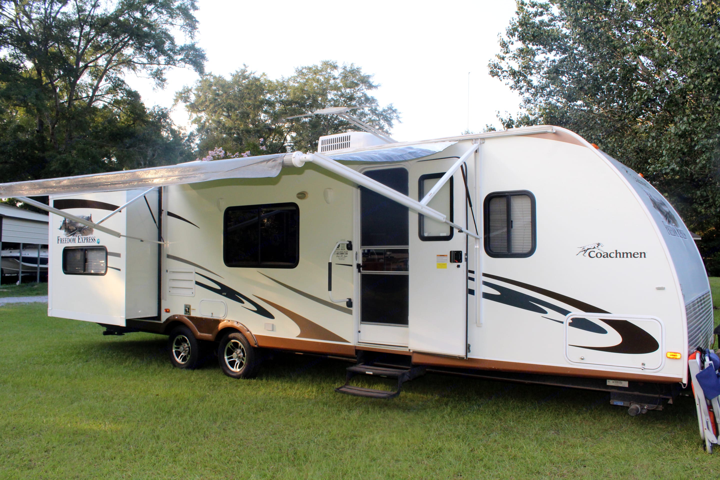 Camper front.. Coachmen Freedom Express 2011