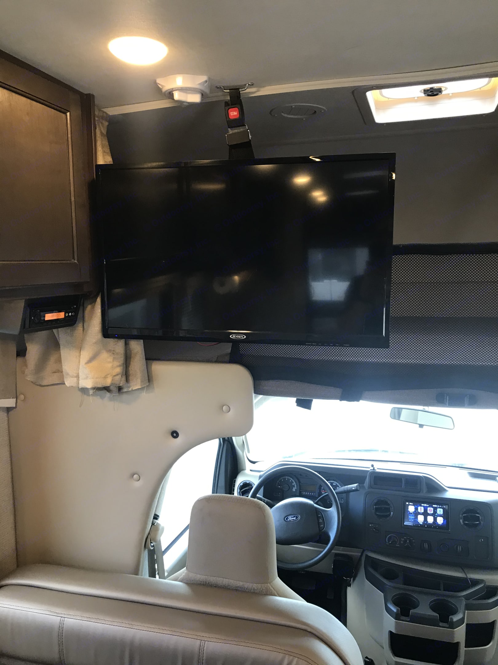 TV, Will run on DC Power and will operate while driving. Thor Motor Coach Four Winds 2019