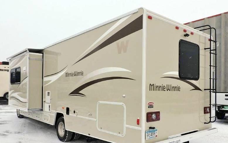 Winnebago Catalina Premier Series 331H 2015