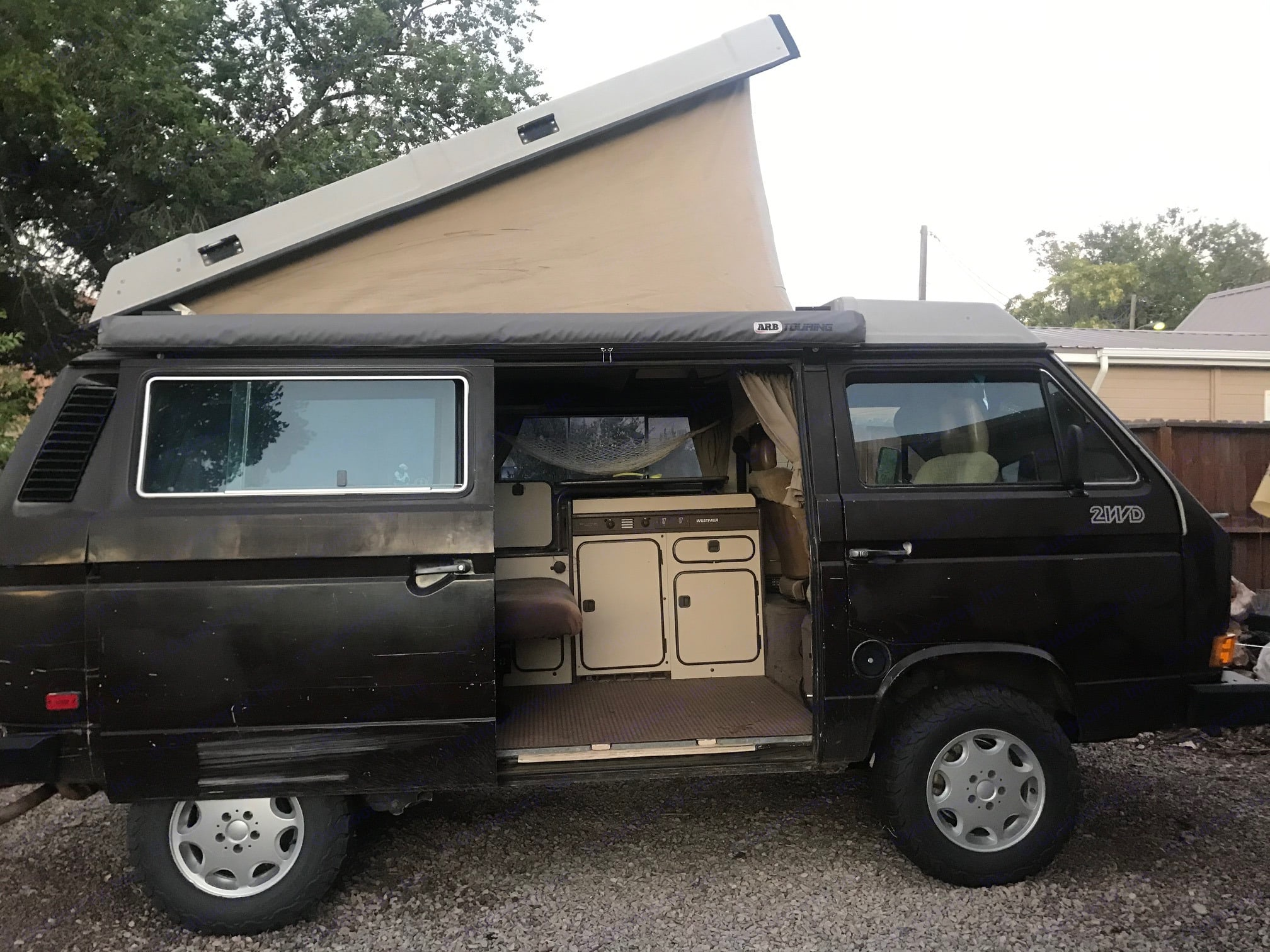 SideView. Volkswagen Westfalia 1986