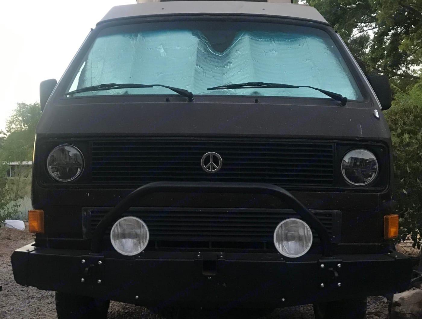 Front View. Volkswagen Westfalia 1986