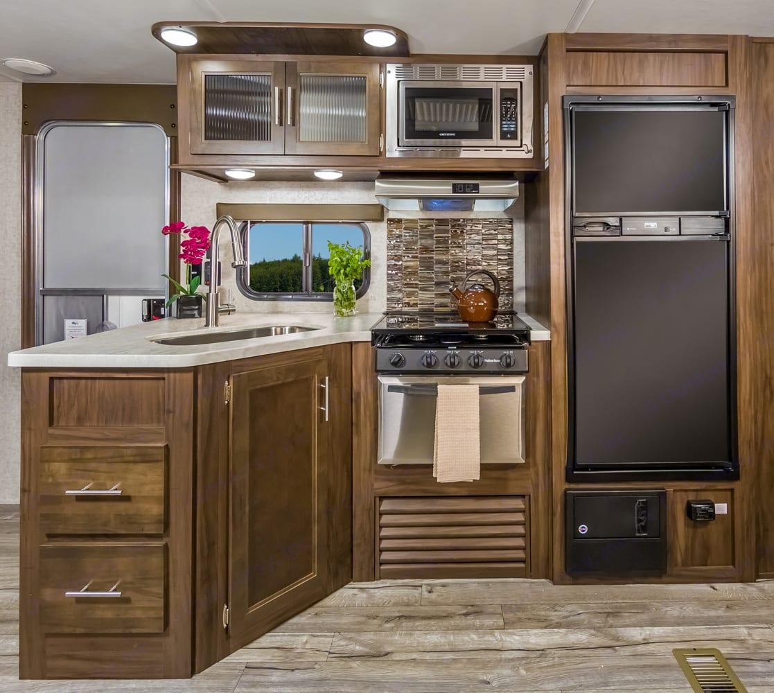 Kitchen. Forest River Cherokee 2019