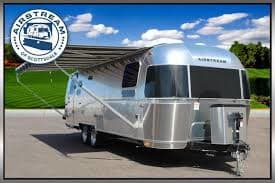 Stunning and simple. Airstream Globetrotter 2020