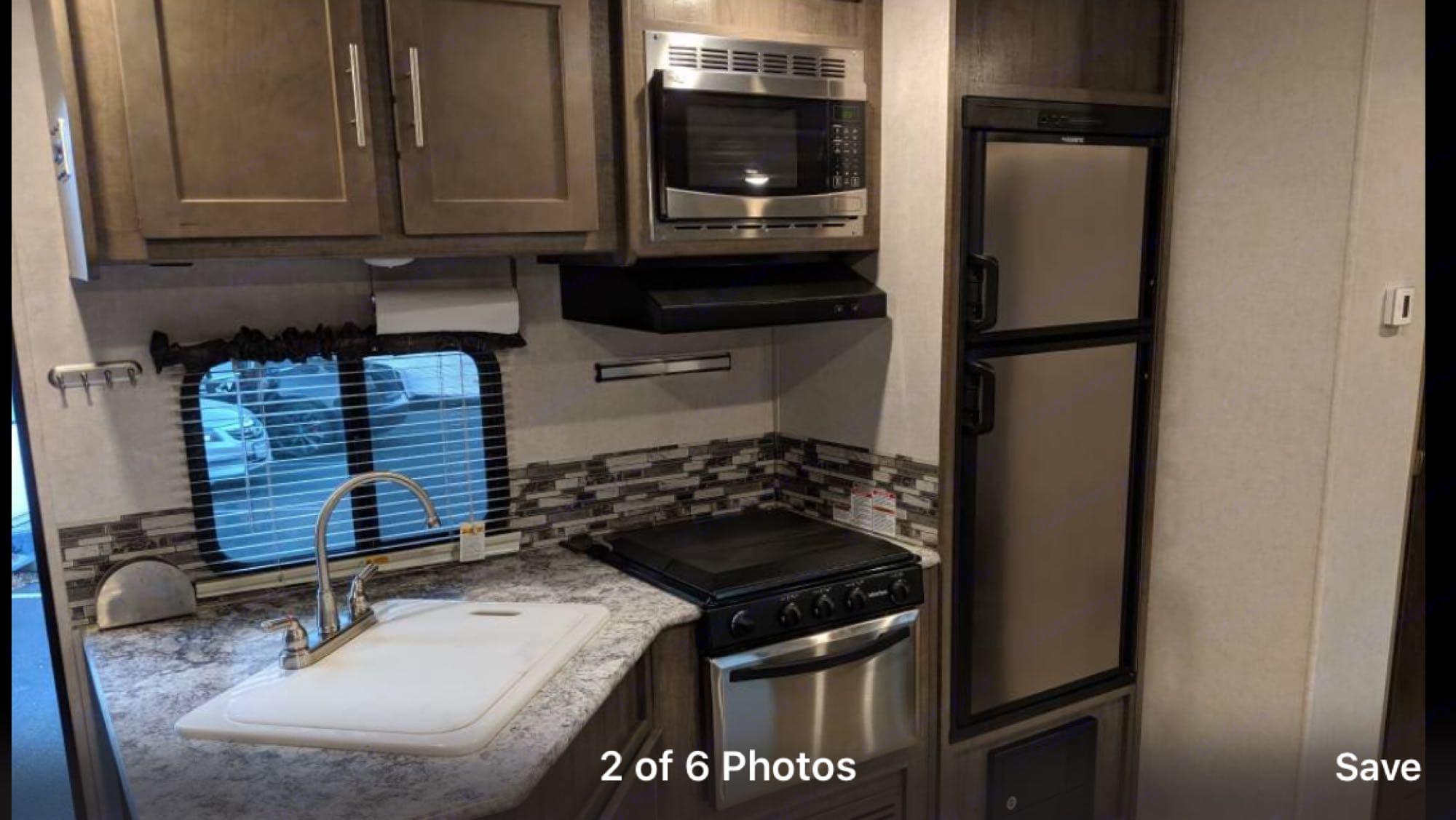 kitchen. Forest River Surveyor bunkhouse 2017
