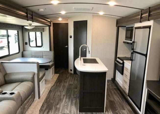 Living Area. Keystone Bullet Premier 2020