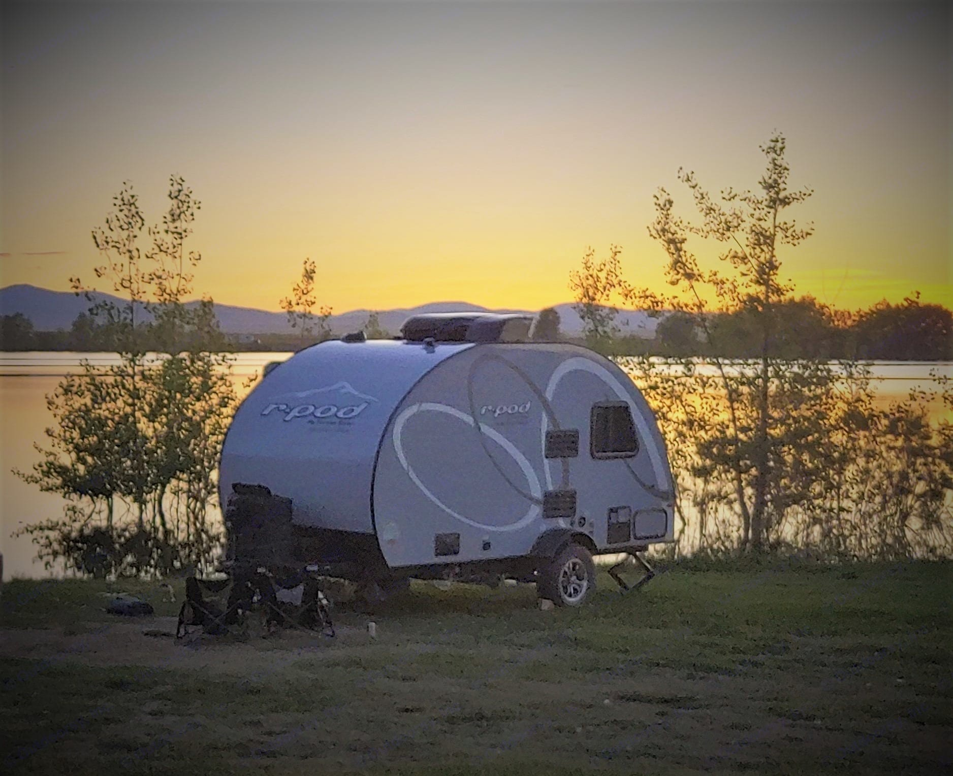Camping at the lake. Forest River R-Pod 2020