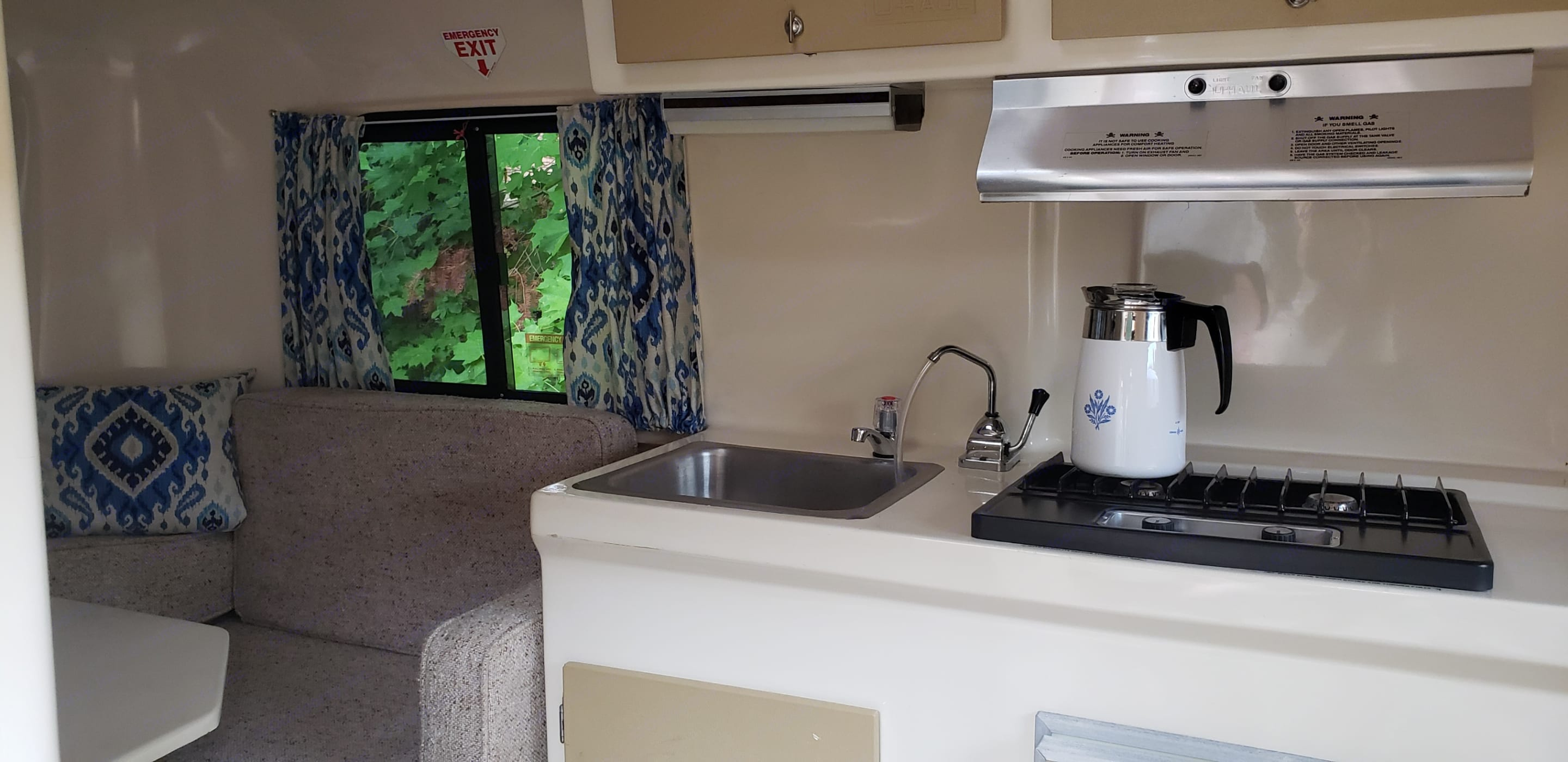 Fully equipped kitchen. U-Haul CT13 1984
