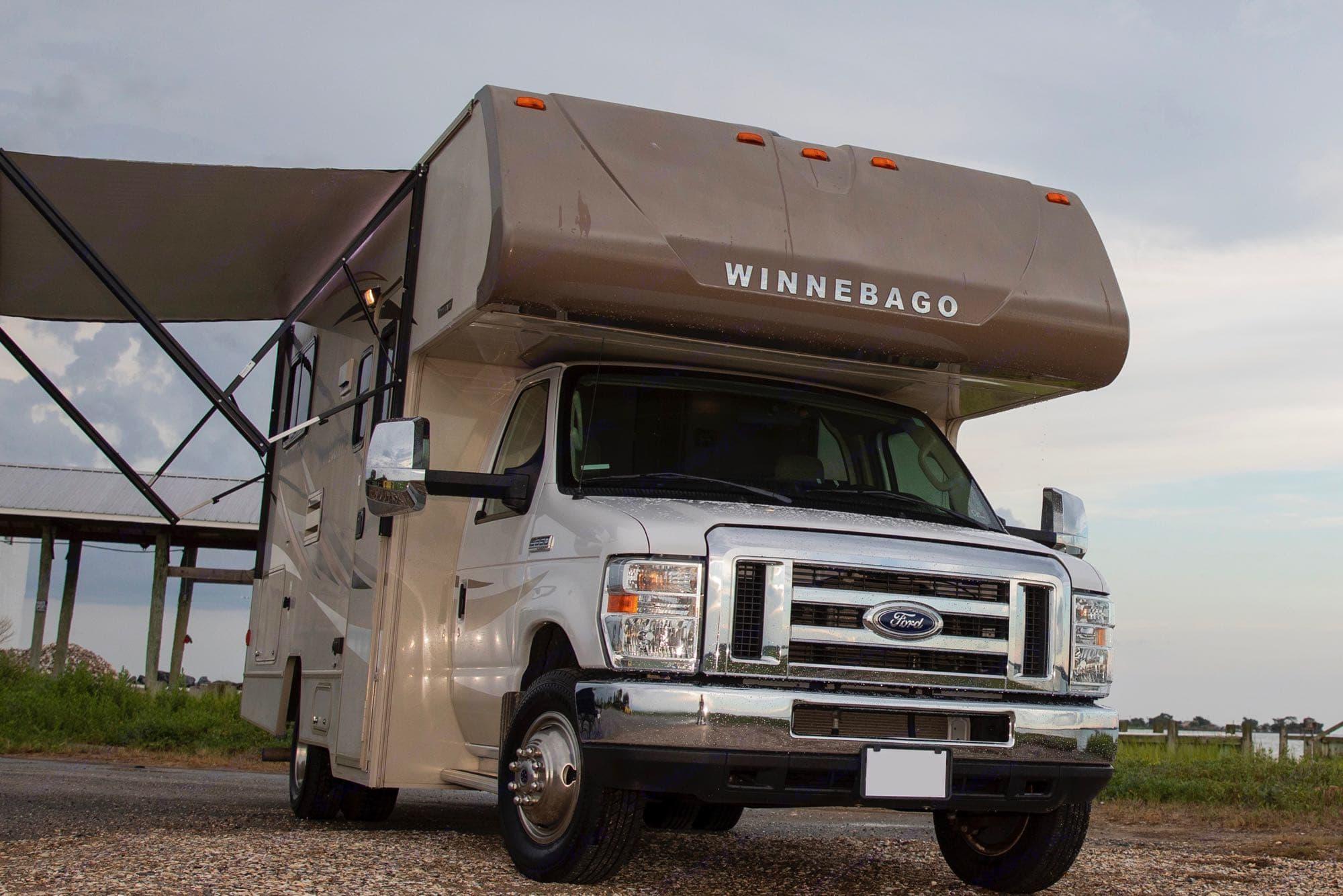 Winnebago and Ford.  #America ftw. Winnebago Minnie Winnie 2016