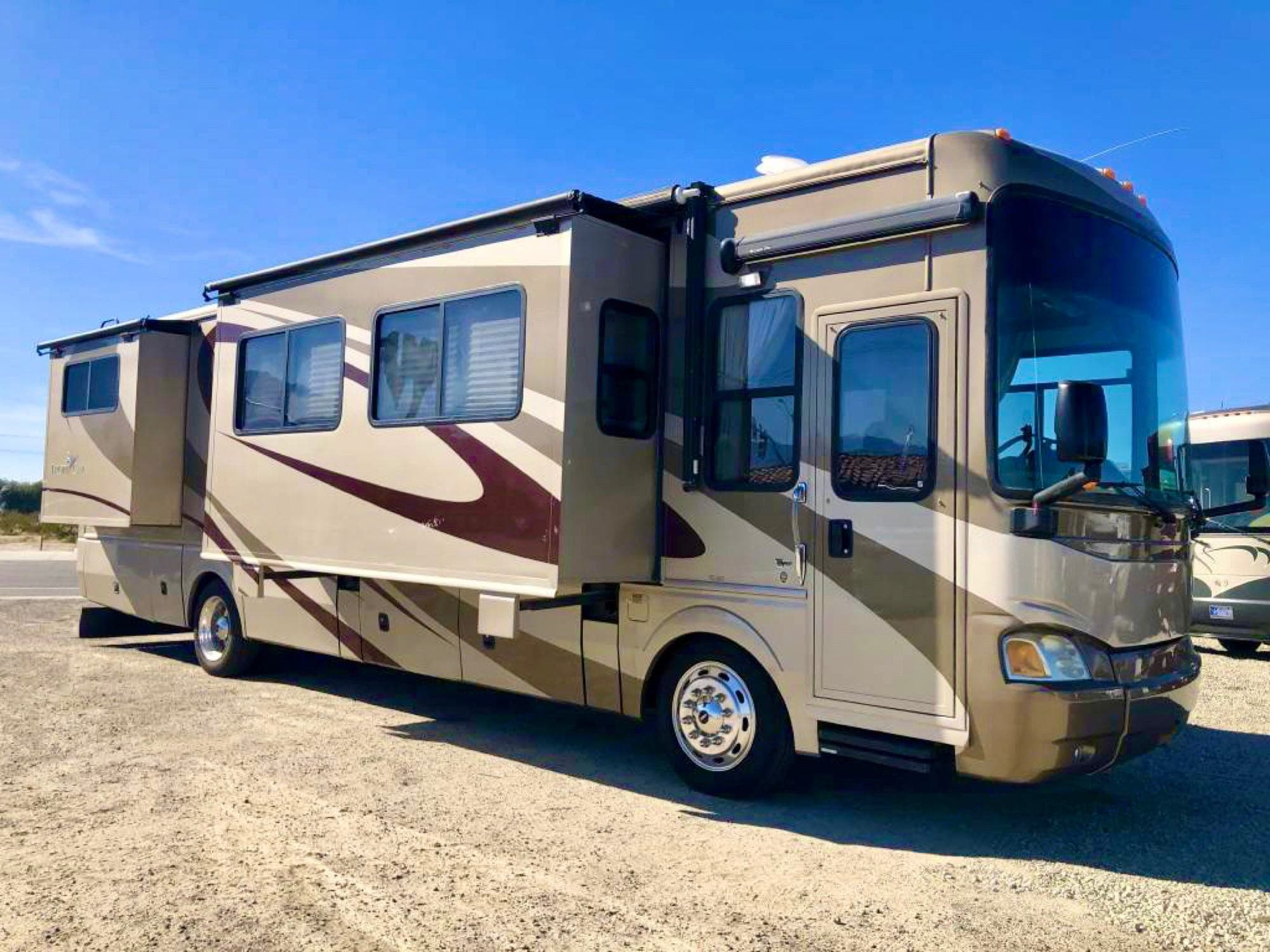 2008 National RV Tropical Class A Diesel Pusher. National Tropical 2008