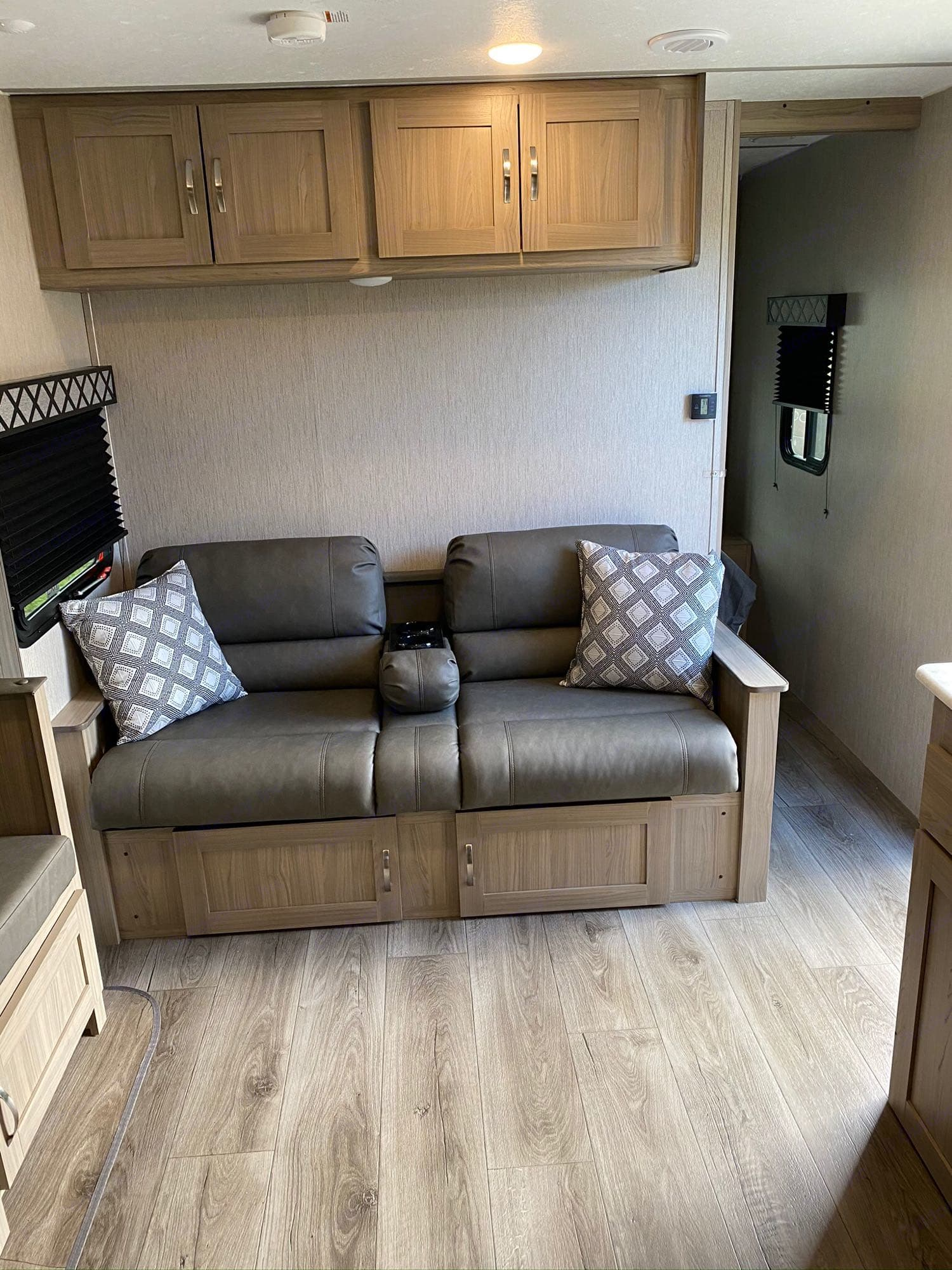 couch folds out to a bed. Coachmen Freedom Express 2021