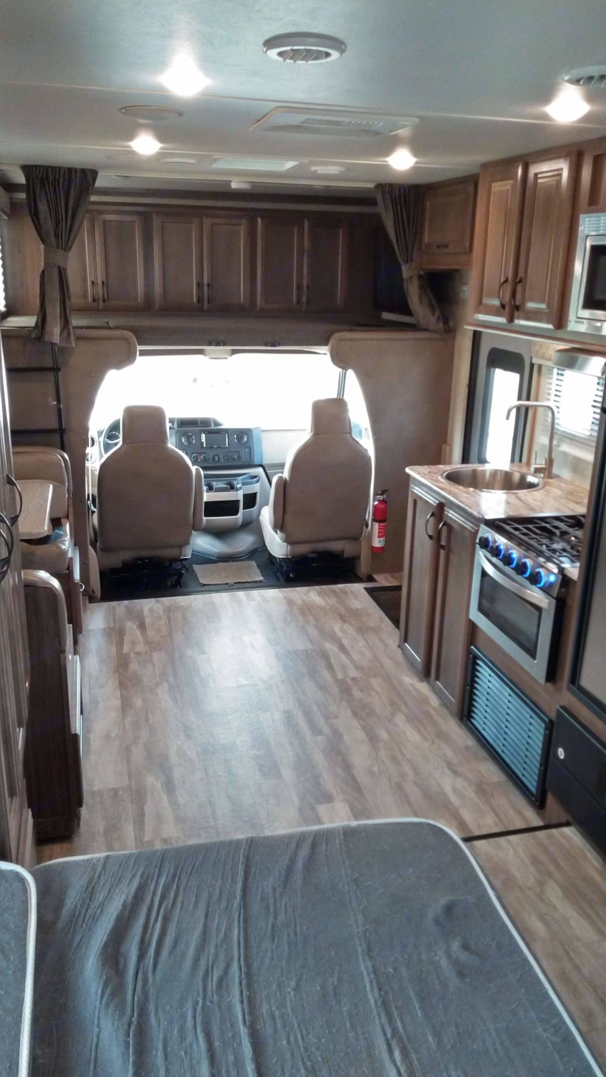 Spacious inter with full wall slide. Gulf Stream Conquest 2019