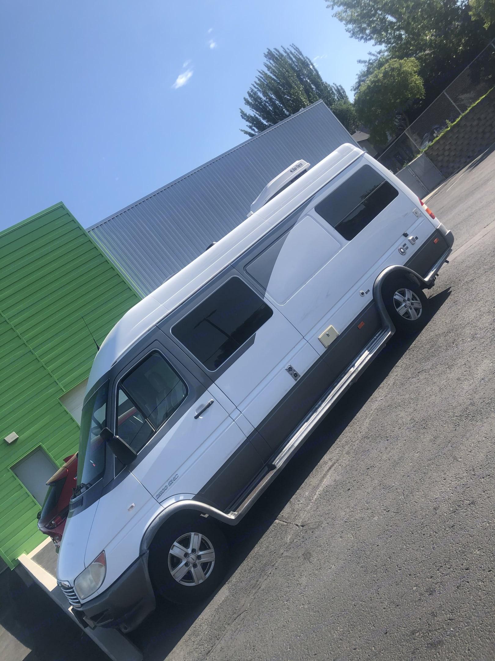 Dodge Sprinter Van 2005