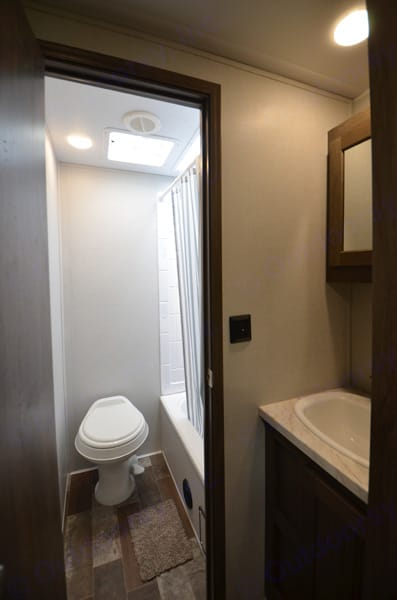 So much natural light in this shower and a full vanity. East to West Silver Lake 27 KNS 2021