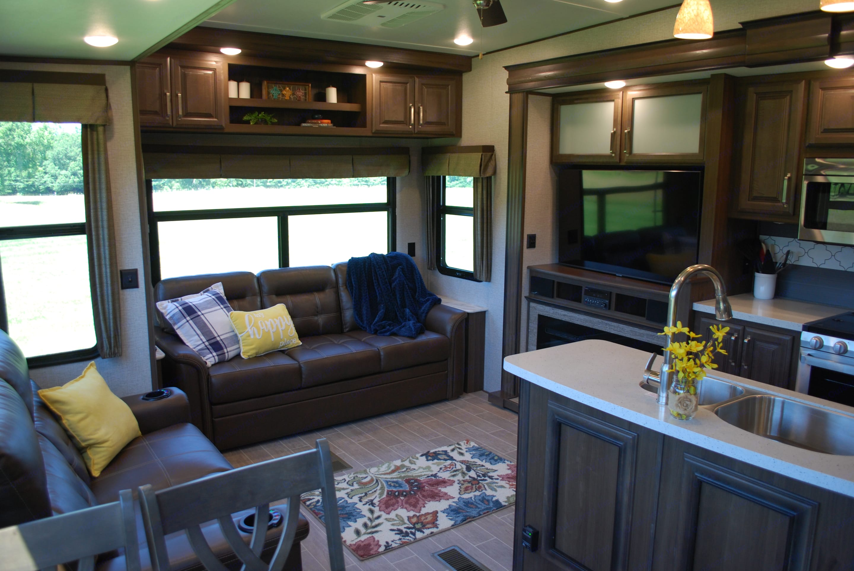 Living area. Keystone Avalanche 2020