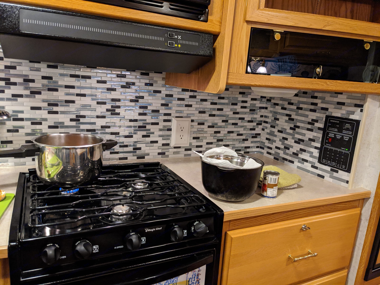 Kitchen stove. Winnebago Chalet 2006
