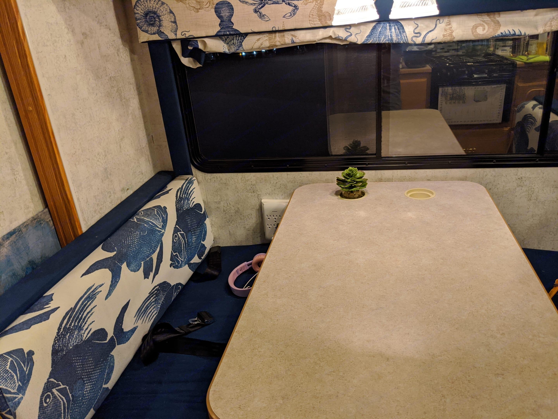 Dining area (converts to sleep 2). Winnebago Chalet 2006