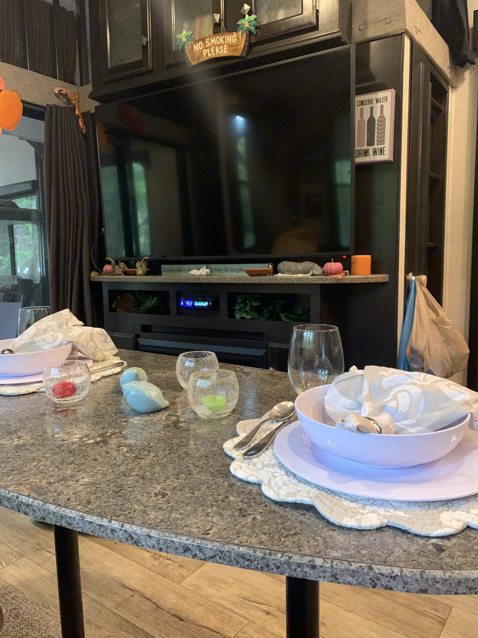 Kitchen table large screen TV. Heartland Edge 2016