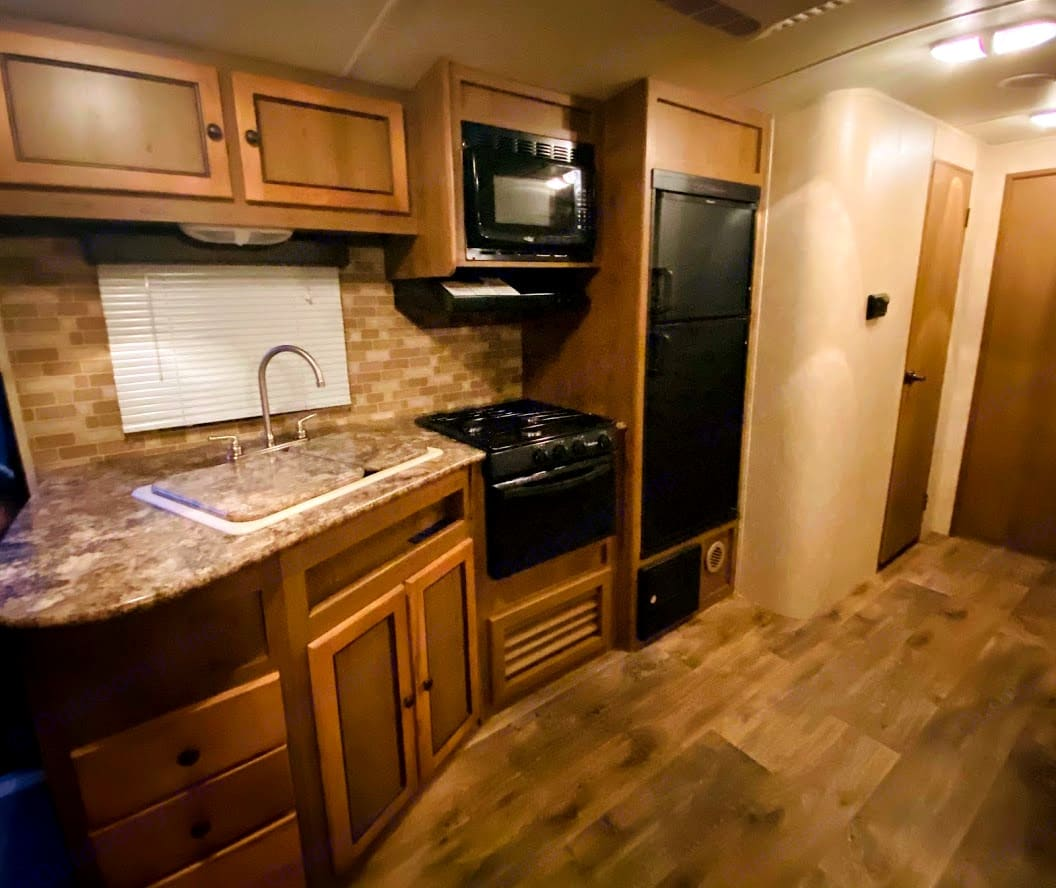 Roomy kitchen area. Cruiser Rv Corp Shadow Cruiser 2016