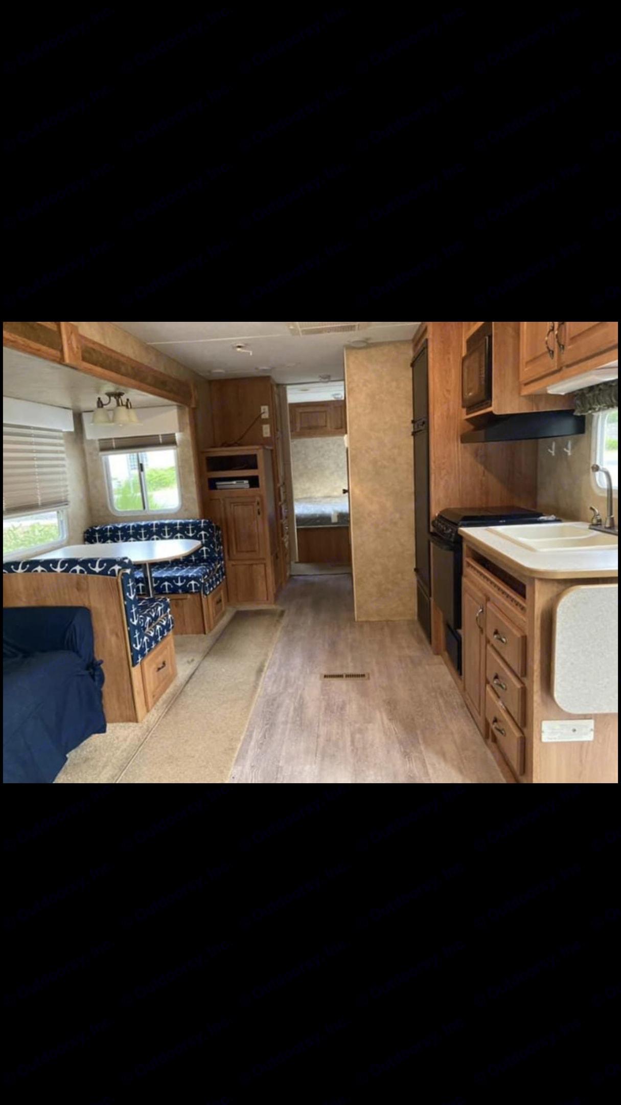 Main living area. Jayco Camper Trailer- Eagle 2007