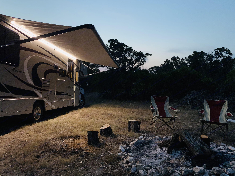 Electric awning with LEDs. Coachmen Leprechaun 2020