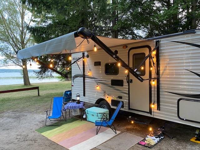 Happy Camping. Keystone Hideout 2017