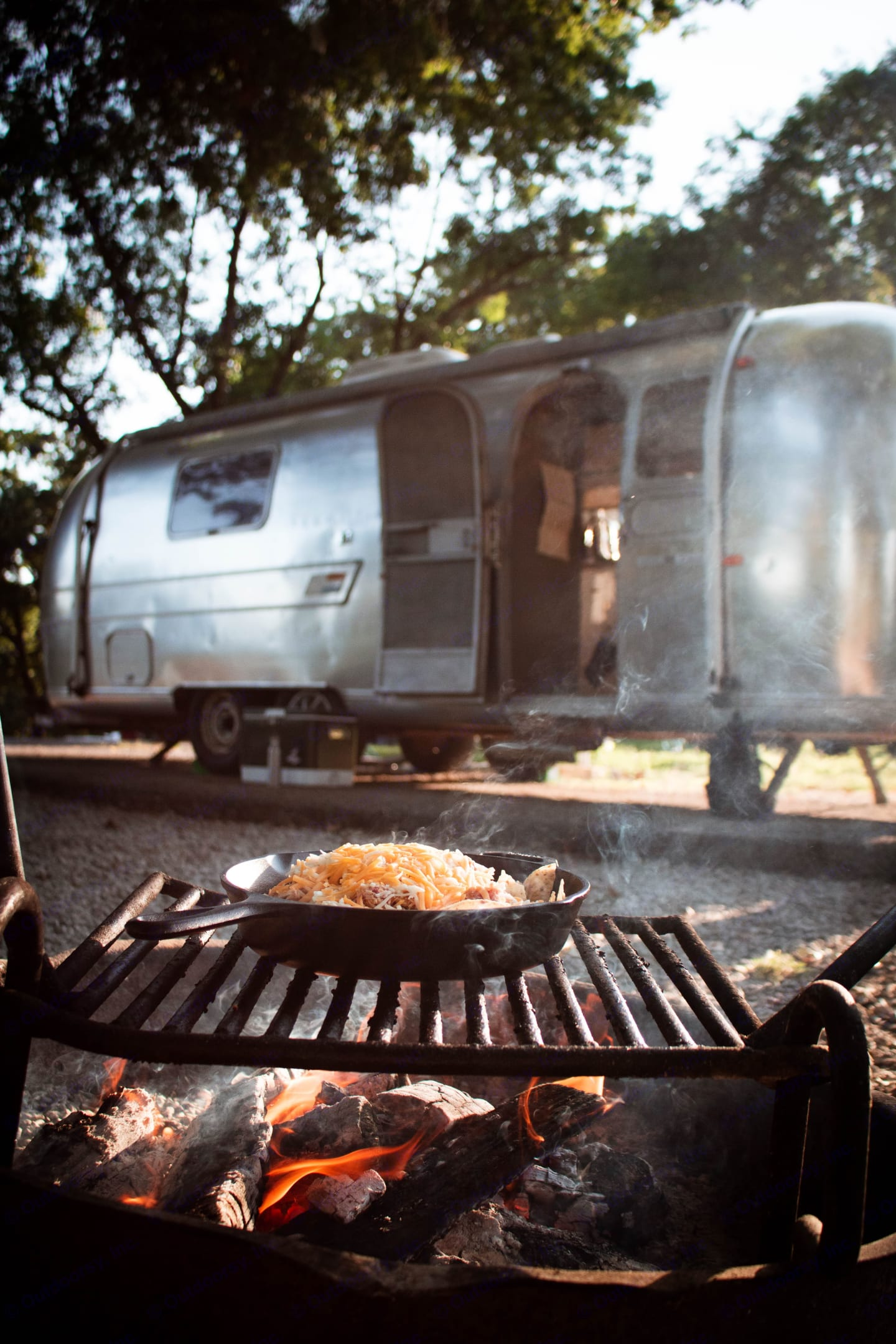 Enjoy the great outdoors. Airstream Overlander 1970