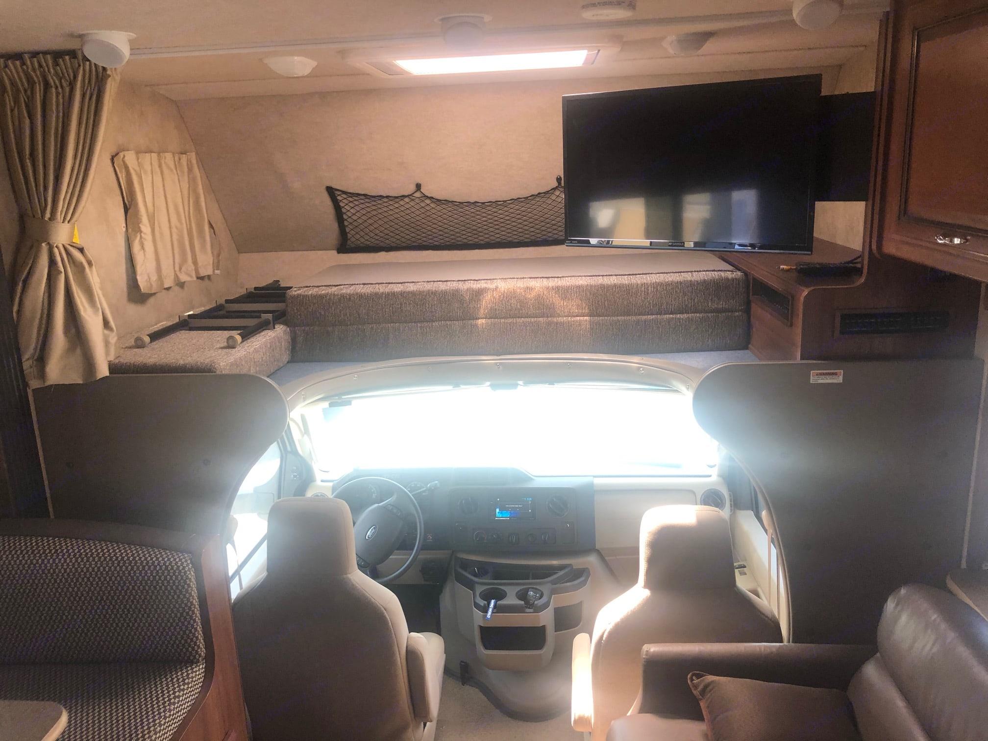 interior 1 upper front bed. Fleetwood Jamboree Sport 2015