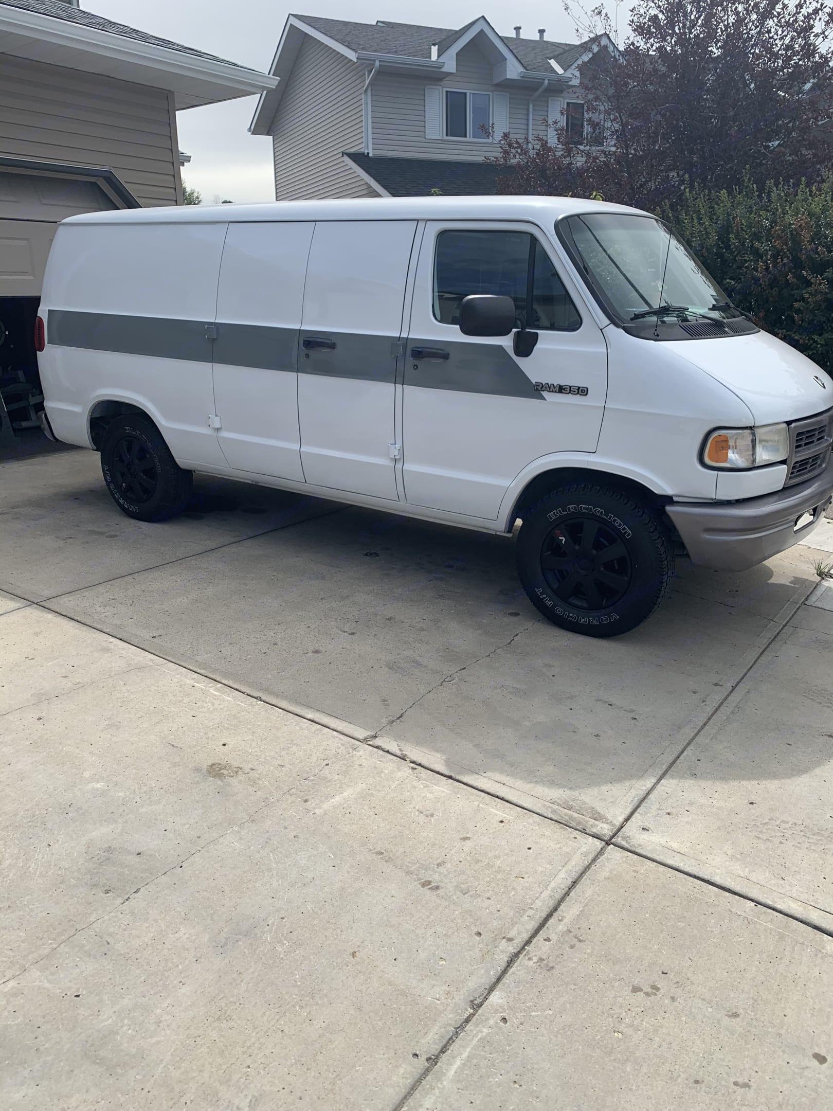 Dodge B Van 1994