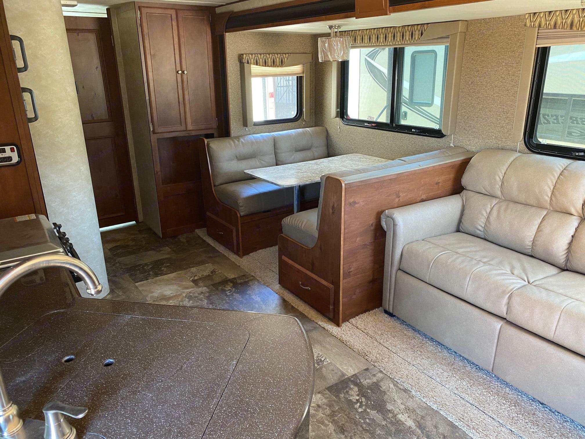 Living Room/Dining Room. Gulf Stream Gulf Breeze 2016