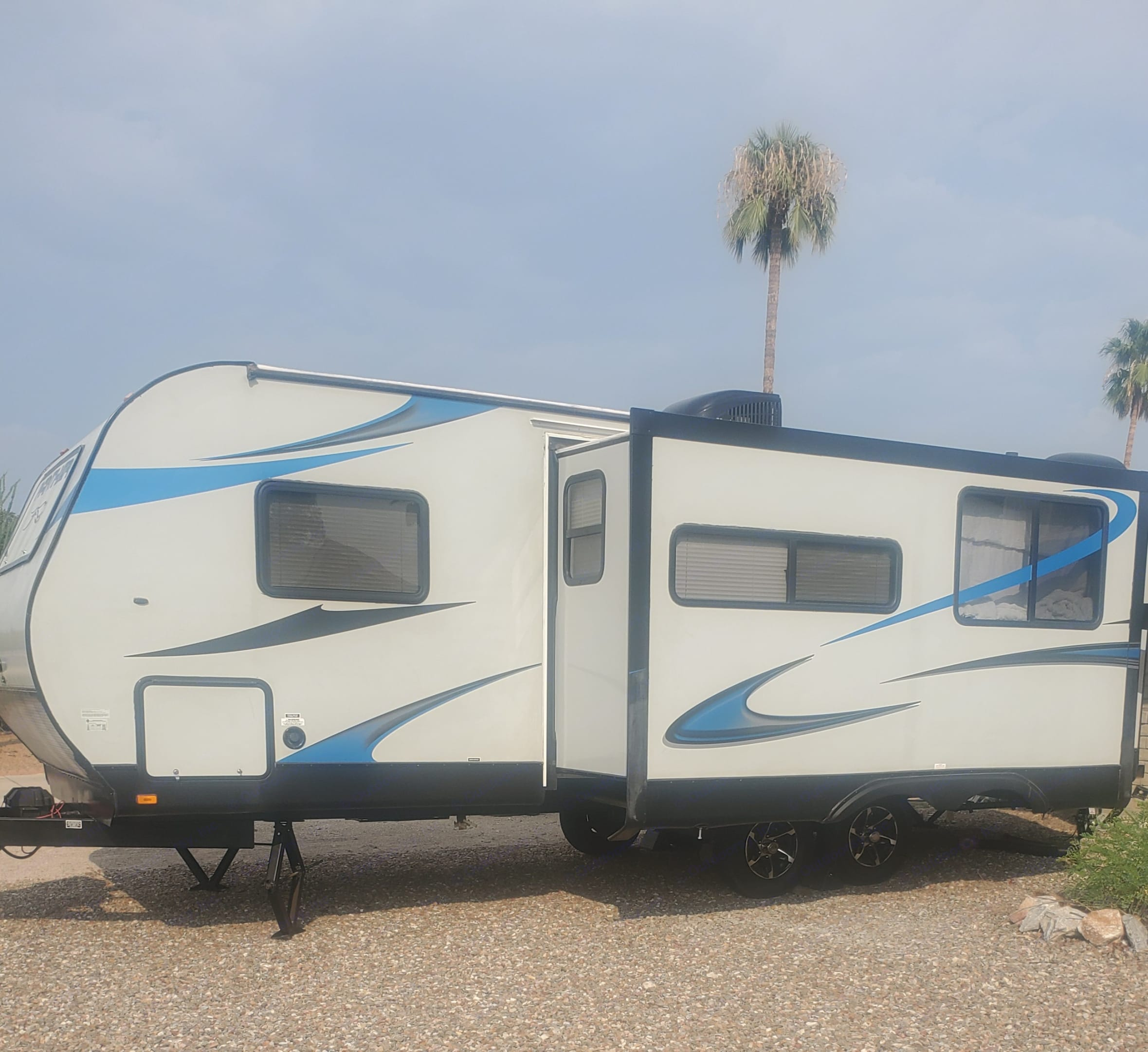 Pacific Coachworks Panther 2014